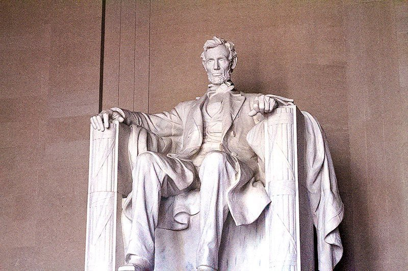 Washington-DC-Monuments-and-Memorials--Lincoln-Memorial